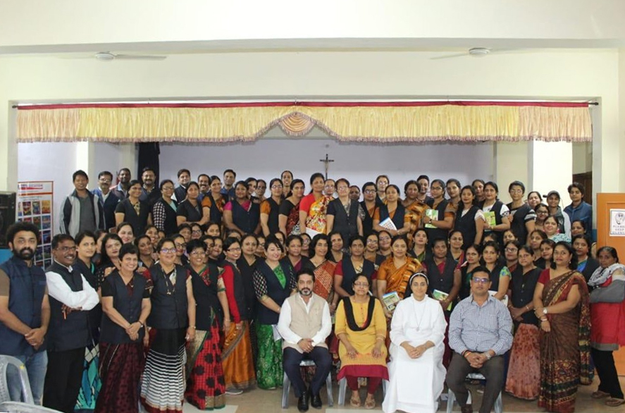 "VIVA EDUCATION ORGANISED A WORKSHOP ON ""THE NEW TRENDS IN EDUCATION: INNOVATION AND CREATIVITY IN TEACHING LEARNING METHODS"" IN THE CARMEL CONVENT SENIOR SECONDARY SCHOOL, BHOPAL. MORE THAN 90 TEACHERS PARTICIPATED IN THE SESSION."