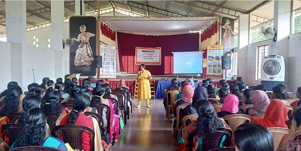 PRE-PRIMARY WORKSHOP FOR THE SAHODAYA GROUP IN VADAKARA, KERALA, CONDUCTED BY RESHMI SREEDHAR.